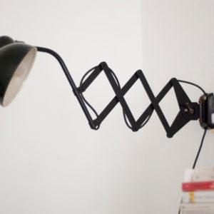 lampen-035-schwarze-scherenlampe-helo-056_dev