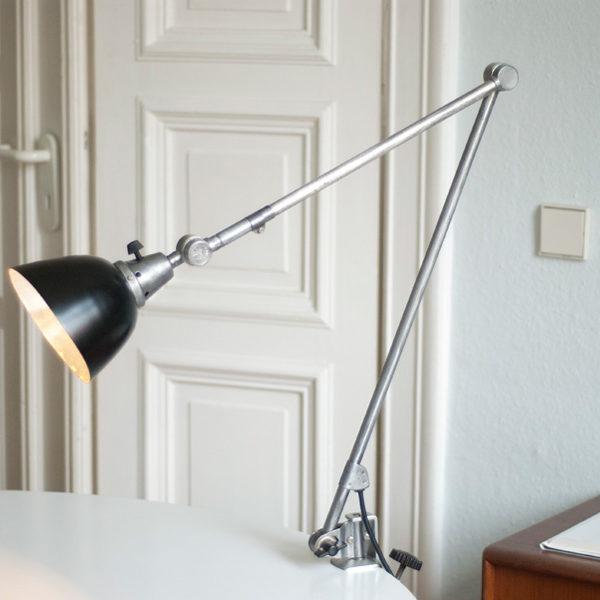 lampen-063-grosse-gelenklampe-midgard-stahl-mit-klemmfuss026_dev