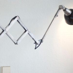 lampen-067-kurze-scherenlampe-midgard-mit-emailleschirm-013_dev