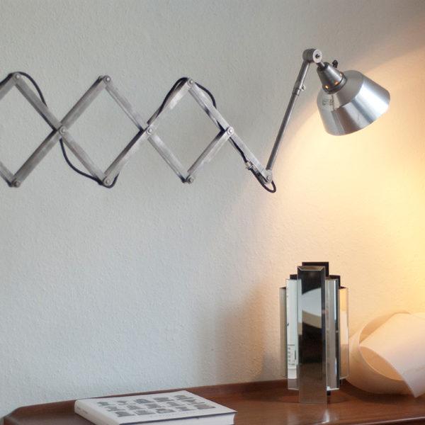 lampen-073-grosse-silberne-scherenlampe-midgard_01_dev