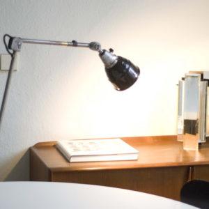 lampen-081bis-alte-gelenklampe-midgard-stahloptik-mit-emailleschirm_038