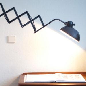 lampen-095-scherenlampe-helo-mit-grossem-schirm-006_dev