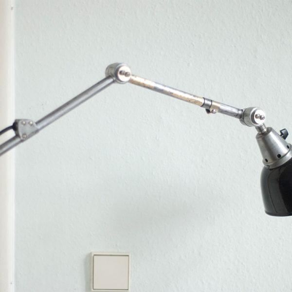 lampen-099-alte-kleine-gelenklampe-midgard-klarlackiert-064_dev