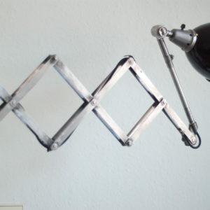 lampen-126-grosse-scherenlampe-midgard-ddrp-stahloptik-emailleschirm-005_dev