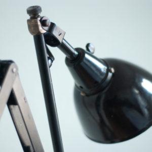 lampen-127-alte-scherenlampe-midgard-drgm-drp-mit-emailleschirm-002_dev