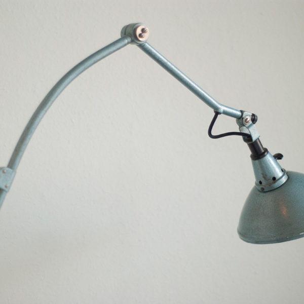 lampen-128-seltene-gelenklampe-midgard-hammerschlag-blau-008_dev