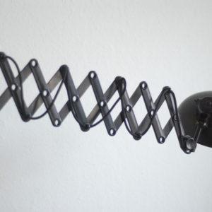 lampen-136-scherenlampe-helion-mit-breitem-bakelitschirm02_dev