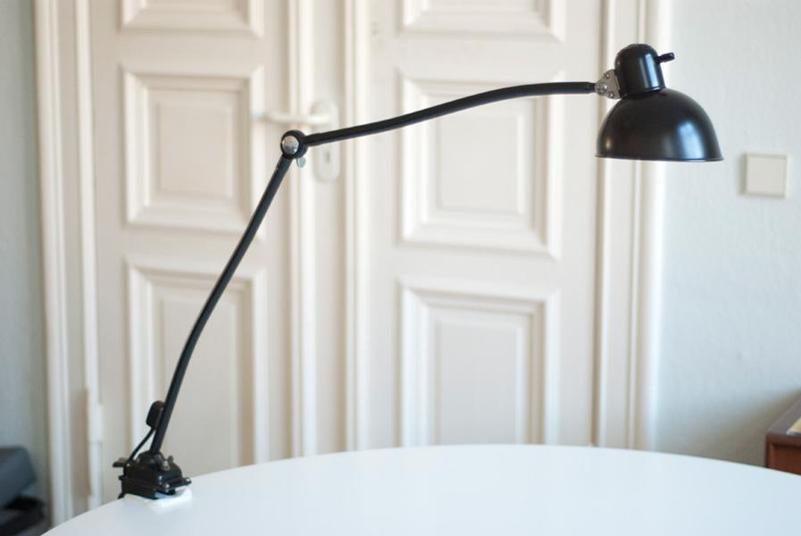 lampen 137 seltene gelenklampe kaiser idell 6726 mit schraubfuss 006 dev fiat lux. Black Bedroom Furniture Sets. Home Design Ideas