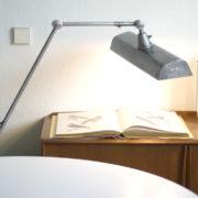 lampen-130-grosse-arbeitslampe-midgard-in-stahloptik_008_dev__