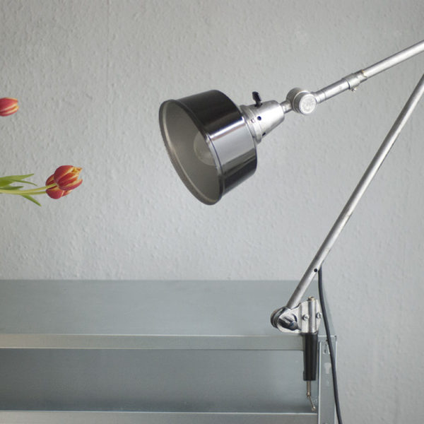 lampen-155-gelenklampe-midgard-in-stahloptik-mit-schwarzem-aluschirm-020_dev