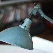 lampen-162-seltene-tischleuchte-midgard-hammerschlag-blau-003_dev
