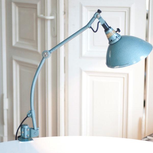 lampen-162-seltene-tischleuchte-midgard-hammerschlag-blau-005_dev