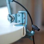 lampen-162-seltene-tischleuchte-midgard-hammerschlag-blau-007_dev