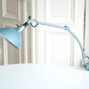 lampen-162-seltene-tischleuchte-midgard-hammerschlag-blau-011_dev