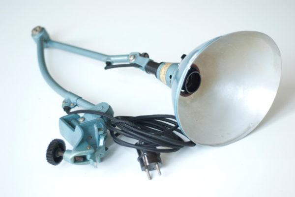 lampen-162-seltene-tischleuchte-midgard-hammerschlag-blau-018_dev