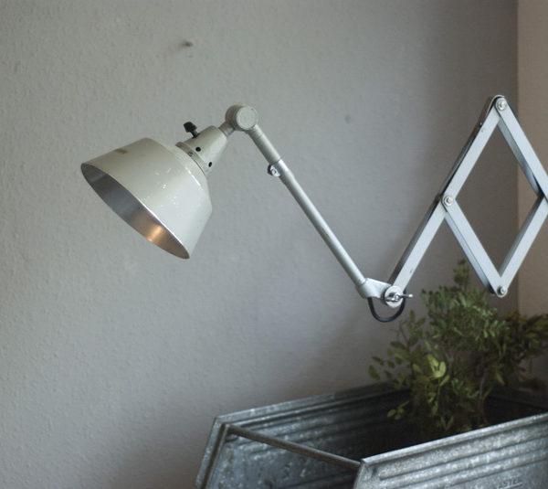 lampen-180-graublaue-scherenlampe-midgard_005_dev__