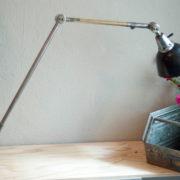 lampen-190-sehr-grosse-tischlampe-midgard-stahloptik-mit-emailleschirm-03_dev