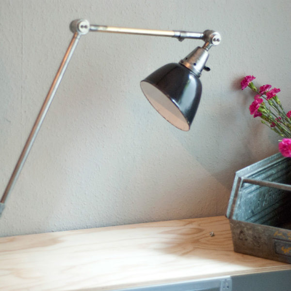 lampen-190-sehr-grosse-tischlampe-midgard-stahloptik-mit-emailleschirm-07_dev