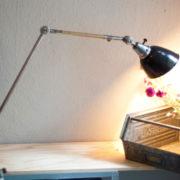 lampen-190-sehr-grosse-tischlampe-midgard-stahloptik-mit-emailleschirm-08_dev