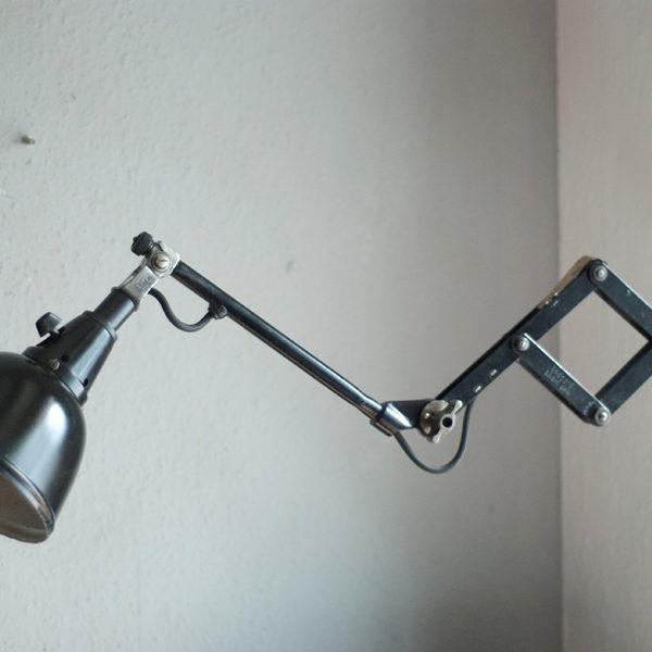 lampen-208-kurze-schwarze-scherenlampe-midgard-drgm-drp-02_dev