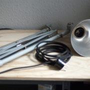 lampen-213-sehr-seltene-riesengrosse-graueblaue-scherenlampe-midgard-ddrp-01_dev