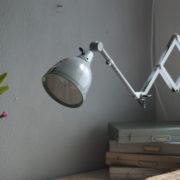 lampen-214-graublaue-scherenlampe-midgard-ddrp-mit-seltenem-schirm-mit-glassscheibe-03