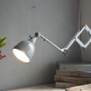 lampen-214-graublaue-scherenlampe-midgard-ddrp-mit-seltenem-schirm-mit-glassscheibe-14