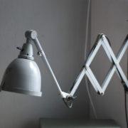 lampen-214-graublaue-scherenlampe-midgard-ddrp-mit-seltenem-schirm-mit-glassscheibe-18