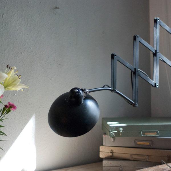 lampen-216-restaurierte-grosse-schwarze-kaiser-idell-6614-super-mit-patina-03_dev