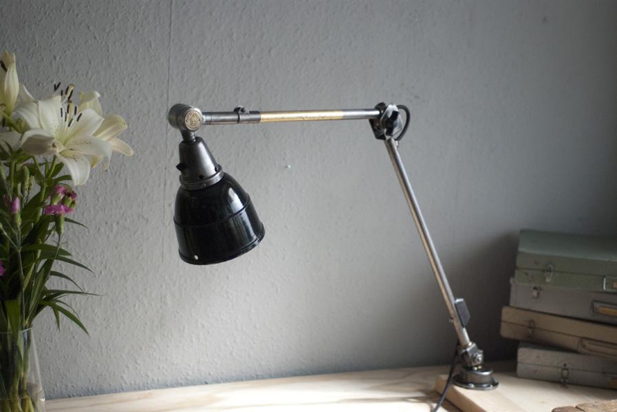 alte gelenklampe midgard in stahloptik mit seltenem fuss. Black Bedroom Furniture Sets. Home Design Ideas