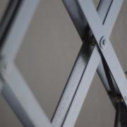 lampen-220-blaugraue-scherenlampe-midgard-ddrp-patina-04_dev