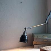lampen-220-blaugraue-scherenlampe-midgard-ddrp-patina-07_dev