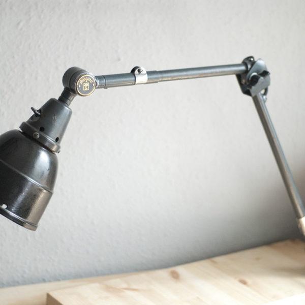 lampen-222-kleine-alte-blaue-gelenklampe-midgard-originalzustand-17_dev