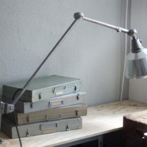 lampen-232-sehr-grosse-tischlampe-midgard-ddrp-stahloptik-05_dev