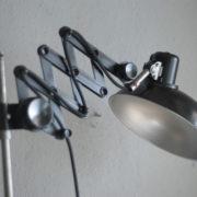 lampen-235-seltene-klemmleuchte-helion-arnstadt-mit-ständer-scissor-clamping-lamp-01_dev