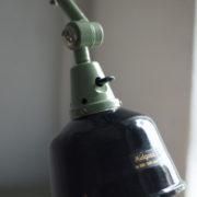 lampen-250-gruene-gelenklampe-midgard-originalzustand-emaillierter-schirm-12_dev