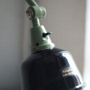 lampen-250-gruene-gelenklampe-midgard-originalzustand-emaillierter-schirm-15_dev