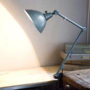 lampen-262-gelenklampe-midgard-hammerschlag-curt-fischer-hammertone-clamp-lamp_03_dev