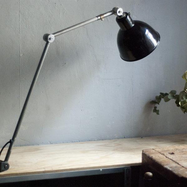 lampen-296-grosse-gelenklampe-klemmleuchte-midgard-unikat-hinged-clamp-table-lamp-06_dev