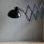 lampen-299-grosse-scherenlampe-kaiser-idell-6614-super-scissor-lamp-01_dev