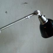 lampen-300-gelenklampe-midgard-stahloptik-auf-marmoplatte-desk-table-lamp-18_dev