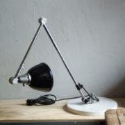 lampen-300-gelenklampe-midgard-stahloptik-auf-marmoplatte-desk-table-lamp-22_dev