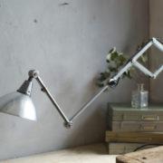 lampen-303-silberne-scherenlampe-midgard-mit-doppelarm-scissor-hinged-wall-lamp-02_dev