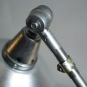 lampen-303-silberne-scherenlampe-midgard-mit-doppelarm-scissor-hinged-wall-lamp-03_dev
