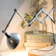 lampen-303-silberne-scherenlampe-midgard-mit-doppelarm-scissor-hinged-wall-lamp-07_dev