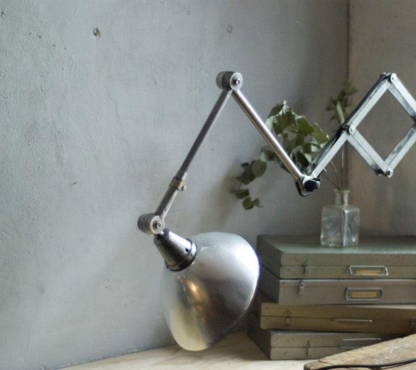 lampen-303-silberne-scherenlampe-midgard-mit-doppelarm-scissor-hinged-wall-lamp-09_dev