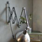 lampen-303-silberne-scherenlampe-midgard-mit-doppelarm-scissor-hinged-wall-lamp-16_dev