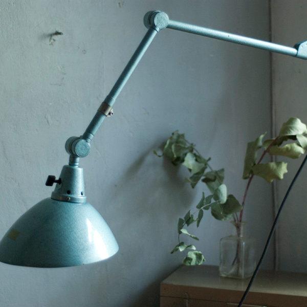 lampen-305-wandleuchte-midgard-hammerschlag-blau-hinged-wall-lamp-hammertone10_dev