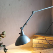 lampen-305-wandleuchte-midgard-hammerschlag-blau-hinged-wall-lamp-hammertone15_dev