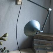 lampen-305-wandleuchte-midgard-hammerschlag-blau-hinged-wall-lamp-hammertone33_dev